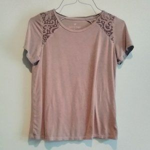 American Eagle Soft & Sexy Tee w/Lace